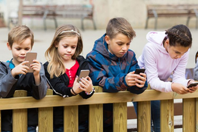 Wajib Tahu ini Dia Panduan dalam Penggunaan Gadget pada Anak